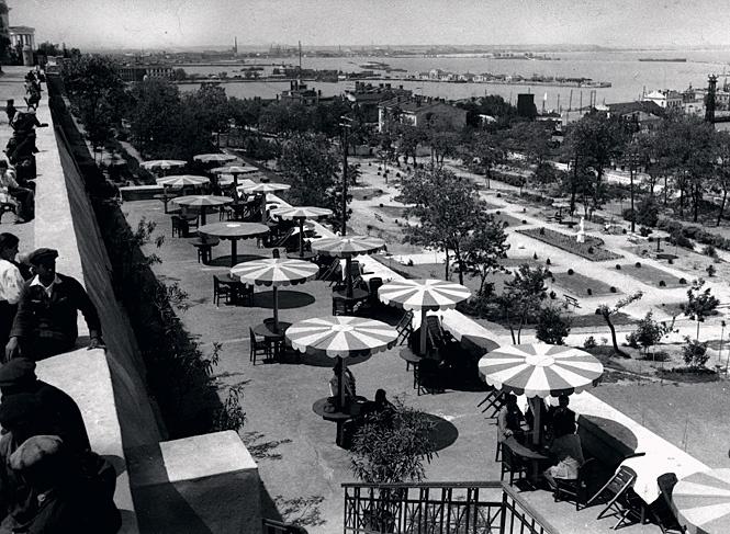 Одесские кафе в 20-е годы пустовали. Пиво отпускалось только членам профсоюза