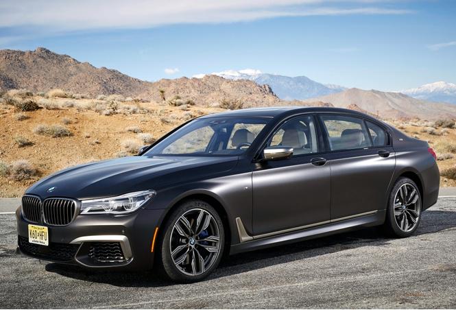 BMW M760Li xDrive: 12 цилиндров седьмой серии