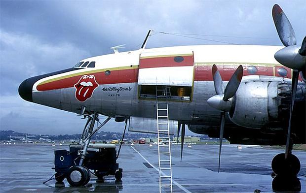 Фото №7 - 25 самолетов и автобусов рок-звезд