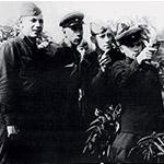Фото №2 - Легендарный создатель автомата АК-47 Михаил Калашников: «Я очень сожалею, что люди гибнут»