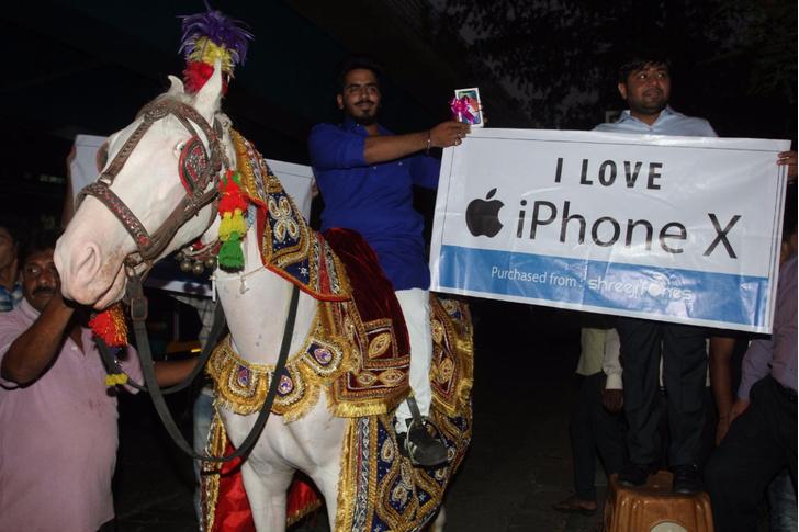 Фото №1 - 6 крутых вещей, которые можно купить вместо iPhone X