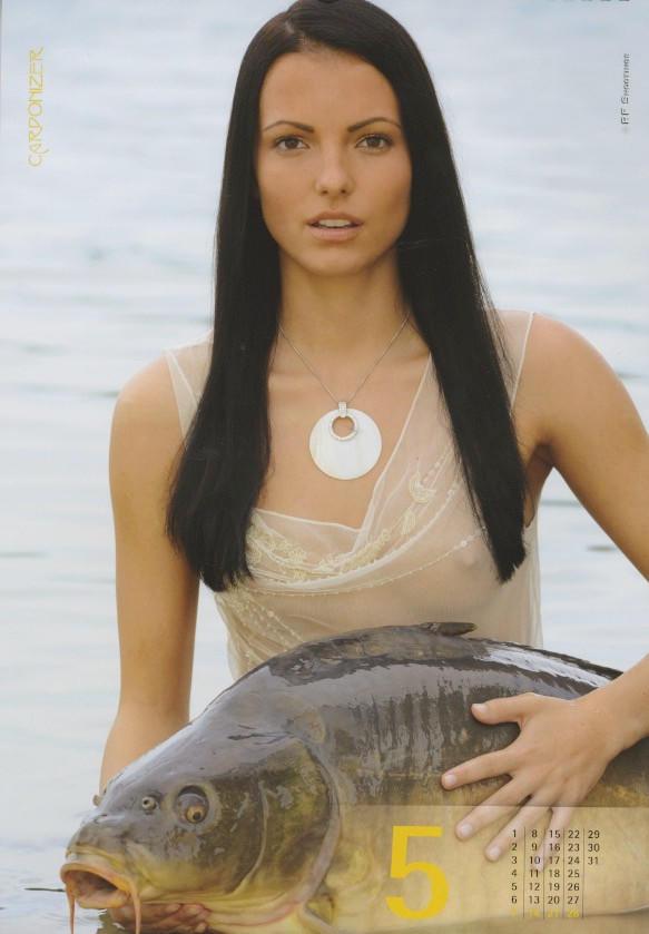 Фото №5 - Эротический календарь, который порадует рыбаков. И не только!