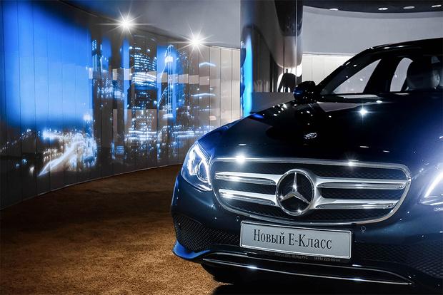 Фото №1 - Шоурум Mercedes-Benz: новое слово в общении с автомобилями