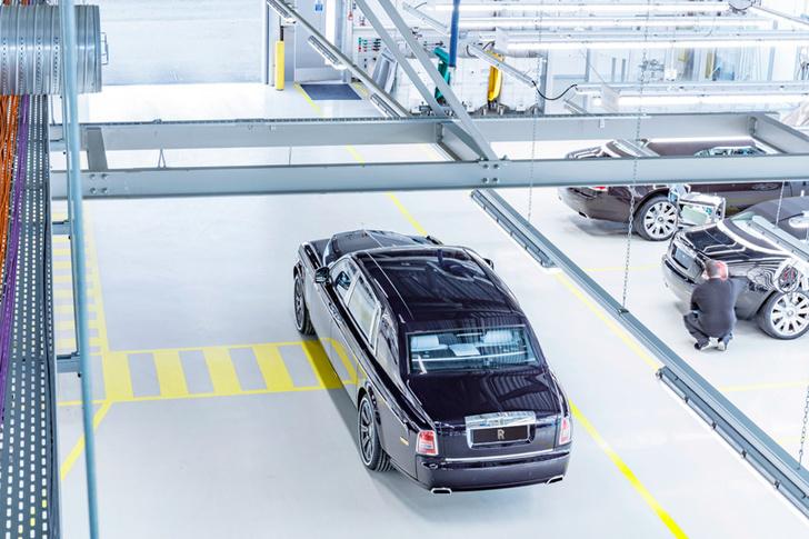 Фото №2 - Из ворот завода в Гудвуде выехал последний Rolls-Royce Phantom VII