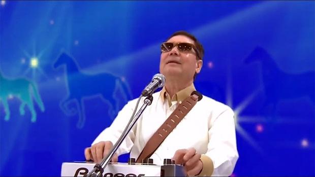Фото №1 - Президент Туркменистана Гурбангулы Бердымухамедов читает рэп про любимого коня (видео)