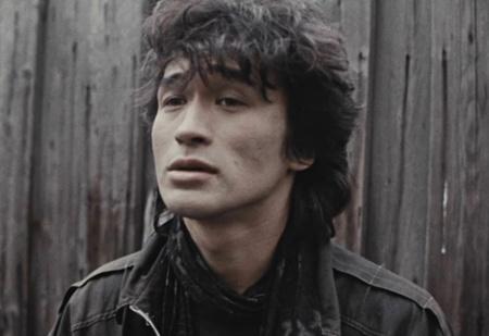 Виктор Цой: «В Ленинграде рок делают герои, в Москве — шуты»