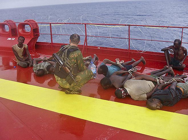 Захваченные в плен пираты