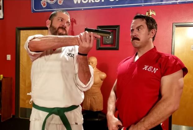 Фото №1 - Лучшие в мире приемы самообороны от Мастера Кена (уморительные видео)