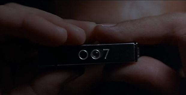 Фото №4 - 10 шпионских гаджетов агента 007, которые стали реальностью для всех