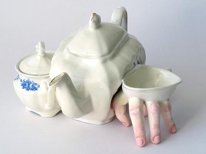Фото №6 - Скульптор создает посуду, которая способна лишить аппетита. И сна!