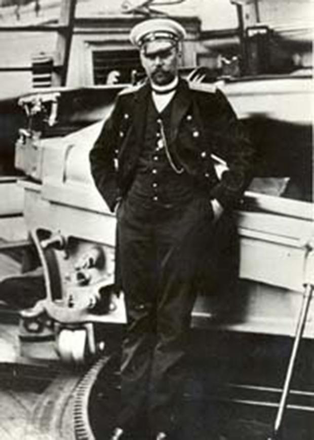 Капитан крейсера «Аврора» Е.Р. Егорьев