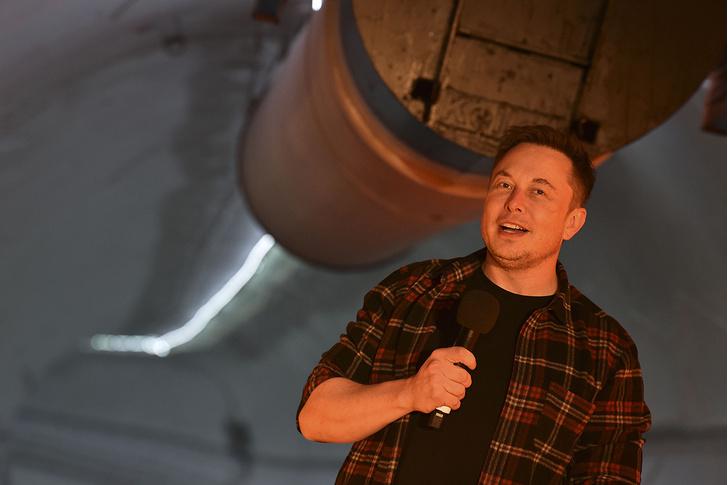 Фото №1 - Илон Маск наконец-то ответил, как ему такое. Причем на русском
