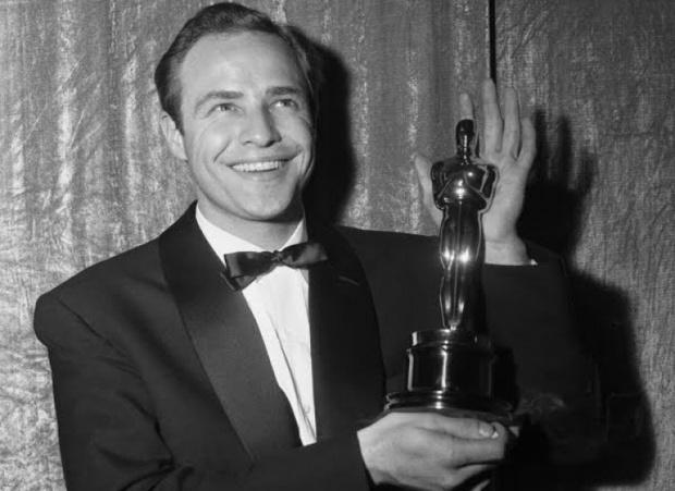 Фото №3 - 10 актеров, которые потеряли свои «Оскары»