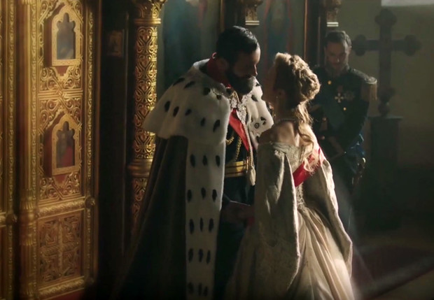 Фото №1 - Николай II, Григорий Распутин и все-все-все в трейлере сериала «Последние цари» от Netflix