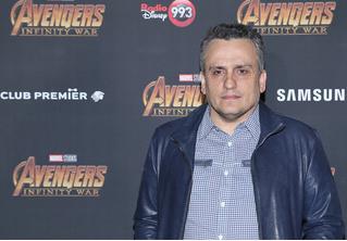 В Российской озвучке «Мстителей» убрали упоминание о свидании двух мужчин