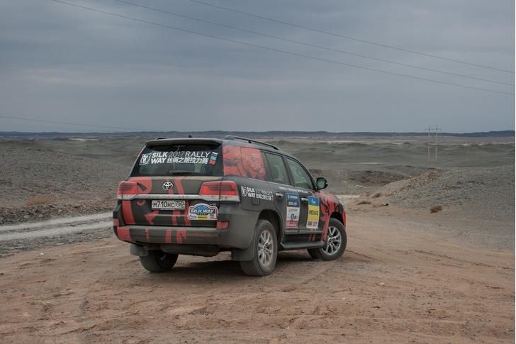 Фото №98 - В пекло и обратно: пытаемся проверить, что умеет Toyota Land Cruiser