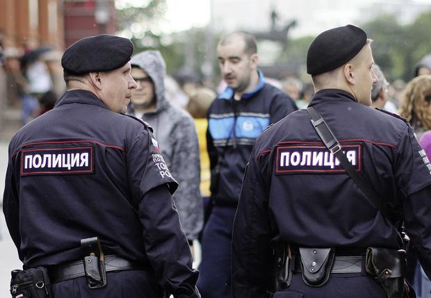 Фото №1 - Полицейский отвечает на глупые вопросы