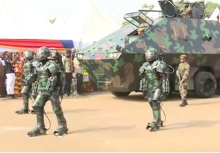 Это не захват планеты имперскими штурмовиками, это парад военной техники в Африке (видео)