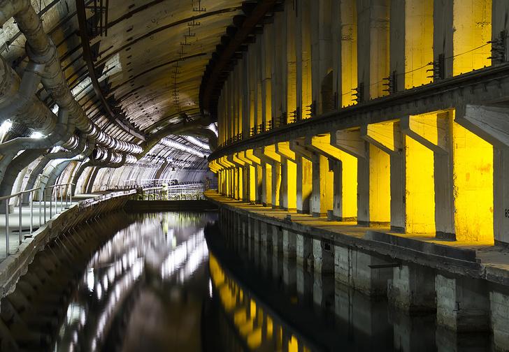 Фото №1 - Советский подземный бункер для подводных лодок