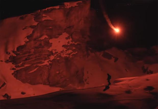 Фото №1 - Швейцарский лыжник создал «портативное солнце» для катания в горах по ночам (видео)