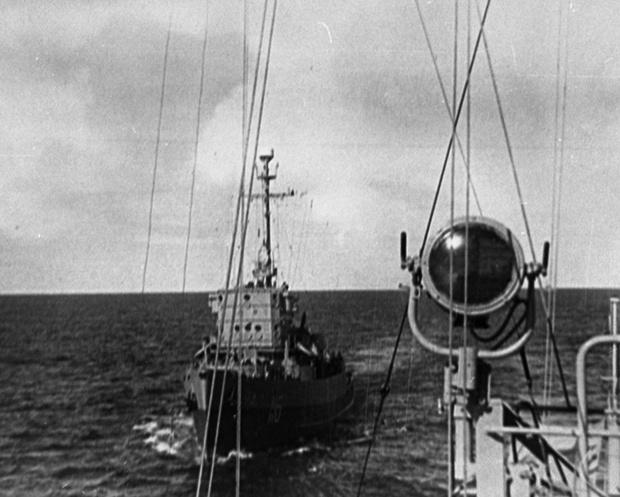 Переход тральщика Т-116 в море