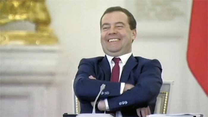 Фото №1 - Лучшие шутки дня и новое правительство!