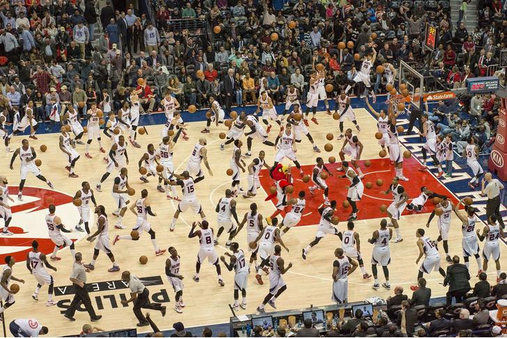 Фото №1 - Фотограф из Бостона при помощи мультиэкспозиции наполняет спортивные снимки людьми (галерея)