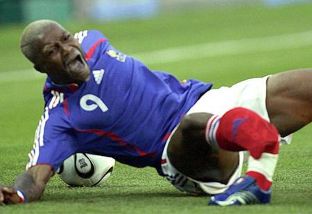 5 самых ужасных футбольных травм!