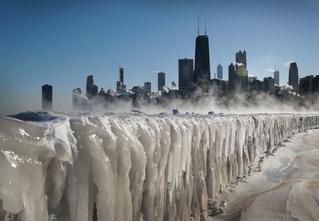 В Чикаго рекордный мороз: -33 C° (леденящие глаза фото и видео)