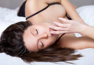 Ученые нашли способ видеть эротические сны чаще