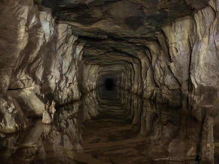 Фото №1 - 8 красивых и странных подземных городов