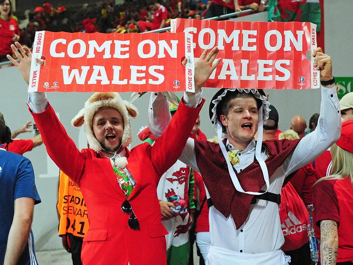 Фото №12 - Слепой испанец, бешеные ирландцы и Дед Мороз. Почему фанаты на Евро-2016 — это не только драки