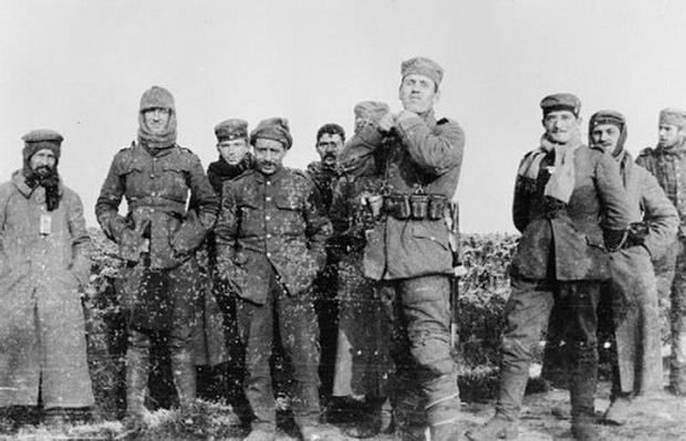 Германские и британские солдаты в часы затишья
