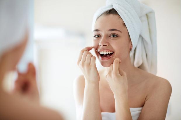 Фото №1 - Ученые признали зубную нить абсолютно бесполезной! Стоматологи тебе врали!