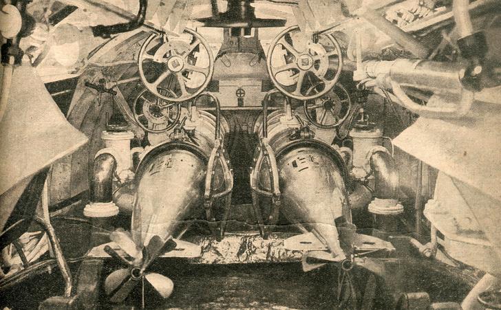 Минный (торпедный) отсек подводной лодки времен Первой мировой войны. 1916 г.