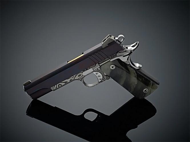 Фото №3 - Оружейники из Cabot Guns сделали пистолет из доисторического метеорита и дамасской стали