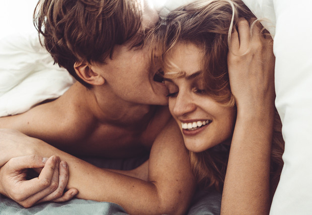 Фото №2 - 17 способов порадовать 5 чувств женщины, которая рискнула лечь с тобой в постель