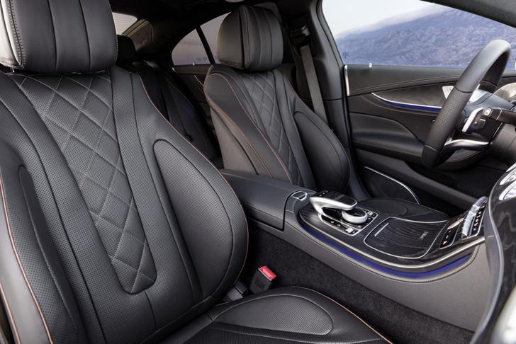 Фото №14 - Новый Mercedes CLS придется полюбить или возненавидеть