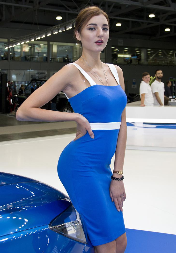 Фото №11 - Лучшие девушки Московского международного автосалона — 2016