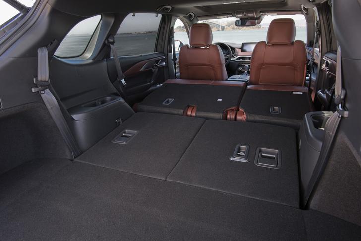 Фото №3 - Гигант Mazda CX-9 едет в Россию: цена уже объявлена