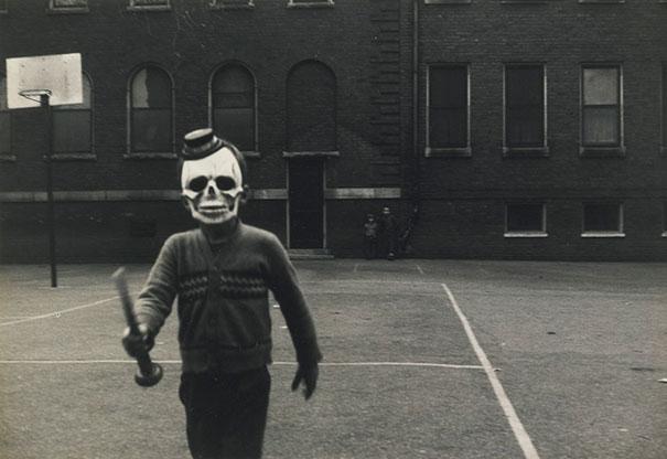 Фото №17 - Самые жуткие ретрокостюмы на Хеллоуин!