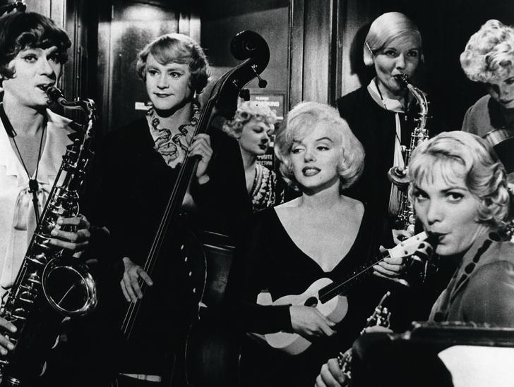 В джазе только девушки