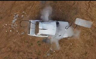 Что будет, если перекачанное колесо разорвет в салоне автомобиля (видео)