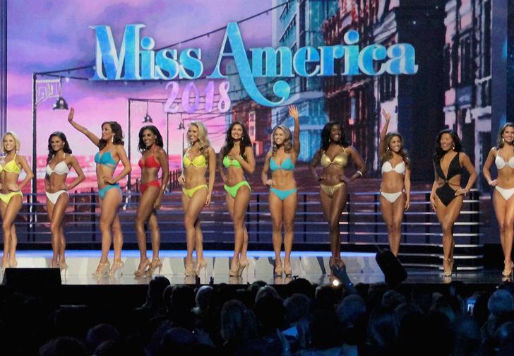 Фото №1 - Новая «Мисс Америка»! Секретное оружие США в действии (и бикини)!