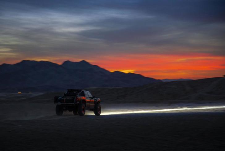 Фото №2 - Лауреат Нобелевской премии создал лазерные фары для автомобиля