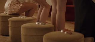Мужские очки должны выдерживать попу милой девушки (прекрасная японская реклама)
