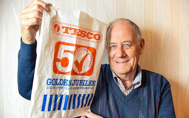 Фото №1 - Пенсионер использует один и то же пакет уже 36 лет!