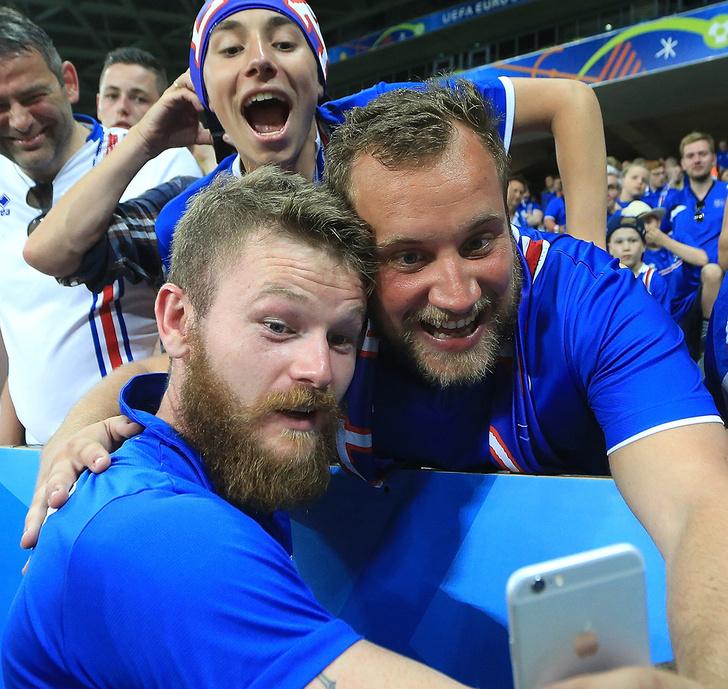 Фото №4 - Капитанская повязка России, исландские рога, штаны венгерского вратаря и другие важные вещи Евро-2016