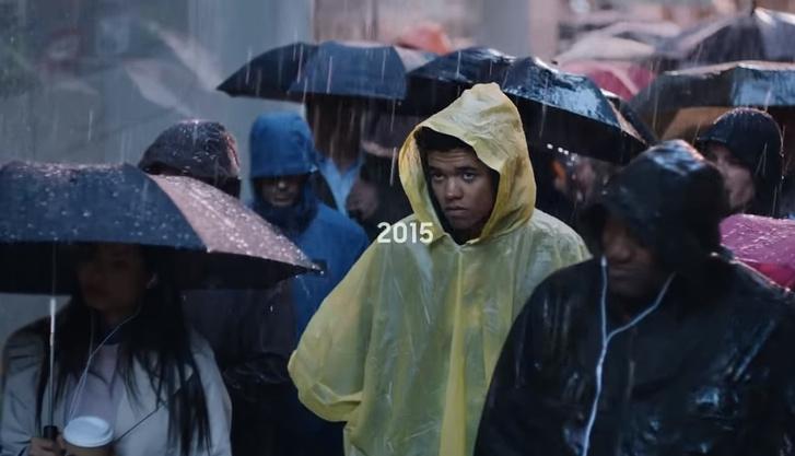 Фото №1 - Samsung поиздевался над iPhone X в новом рекламном ролике