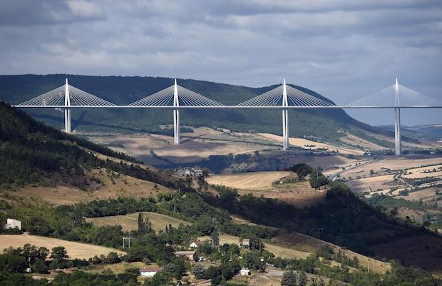 Фото №5 - 6 самых необычных мостов в мире